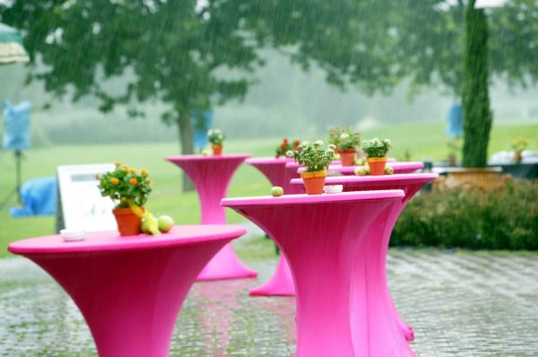 Stehtischhusse aus Stretchsstoff mit Reisverschluß - pink-Vermietung und Verkauf möglich
