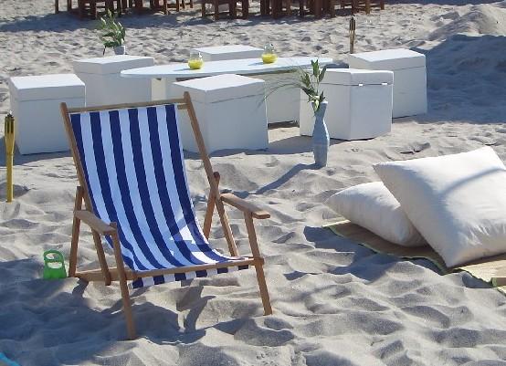 Klappliegestuhl weiss  Beachmöbel Liegestuhl - Agentur Rindle - Trends for Events