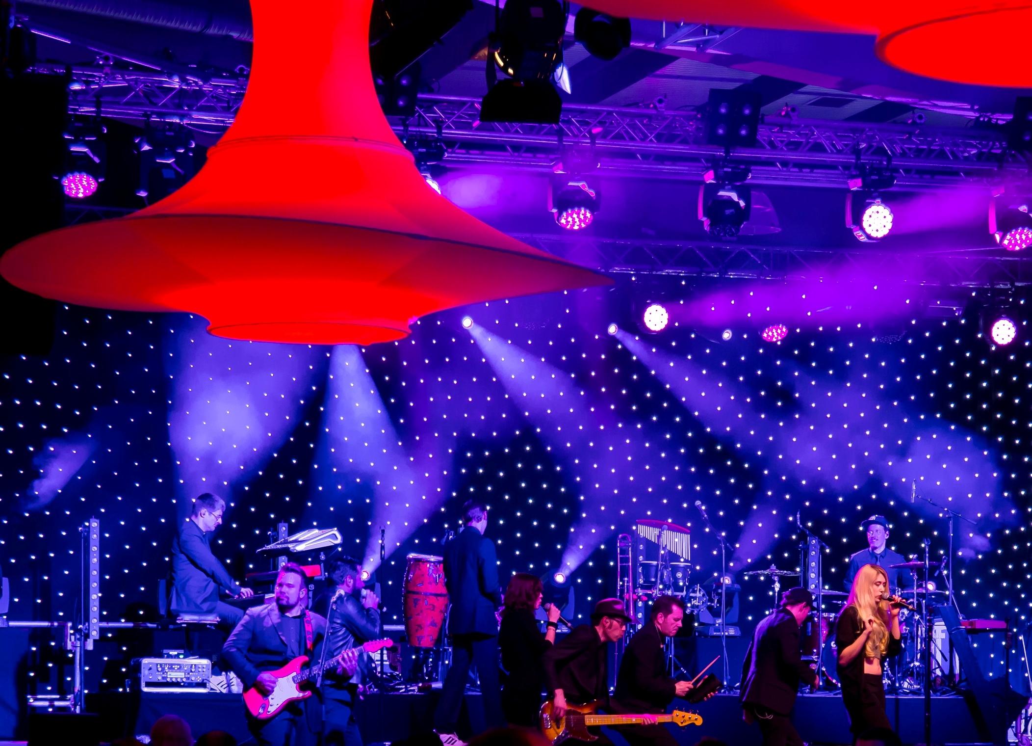 LED Bühnenbackdrop mit Flashanimationen