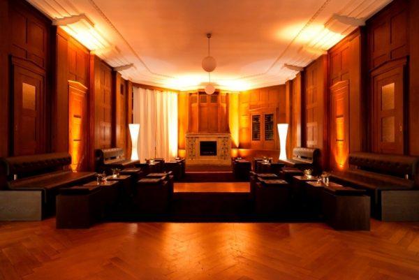Modernes Altherrenzimmer im modernen edlen Chesterfield Design für Kaminzimmer Atmosphäre , Zigarrenlounges und vieles mehr
