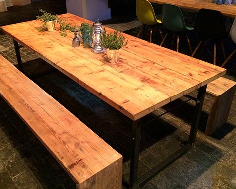 Rustikale Outdoorlounge große Sitzbank aus Holz ohne Sitzpolster,Bierbank und Biertisch, robust optimal Weihnachtsmarkt Vermietung