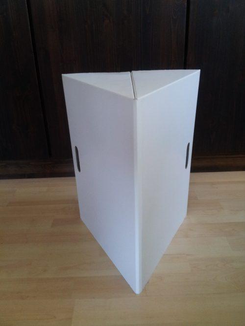 3 Eck Papphocker weiss bedruckbar, Praktisch klein zu tragen ideal auf Messen, Promotions und Workshopsops Maße: 35 x 30 x 45cm (LxBxH)