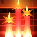 Aufblasbare Sterne für Weihnachtsmärkte oder Weihnachtsfeier: aircandle zum stellen oder hängen - Vermietung und Verkauf möglich