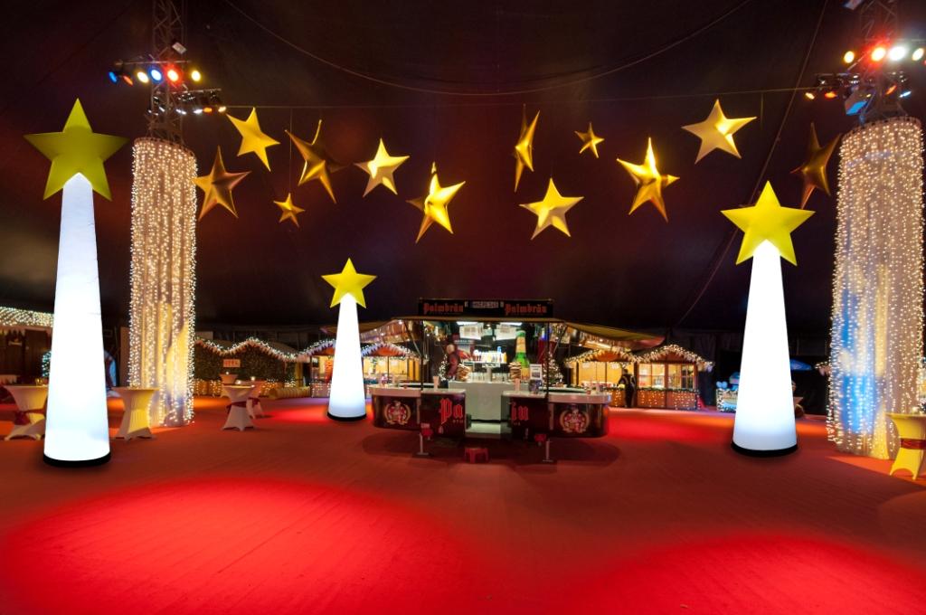 Aufblasbare stehende Sterne für Weihnachtsmärkte oder Weihnachtsfeier: easyStarCone zum stellen oder hängen - Vermietung und Verkauf möglich