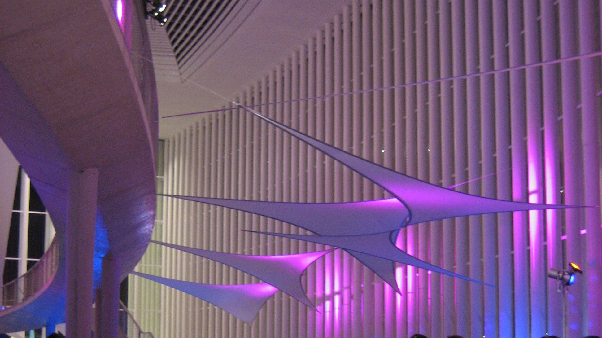 Projektionsfläche aus Stretchgewebe Polyamid, Elastan - 3Punkt-Stretchsegel SEOUL - Indoor