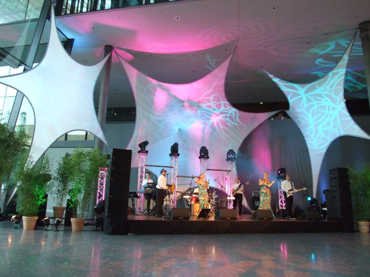 Projektionsfläche aus Stretchgewebe Polyamid, Elastan - 5Punkt-Stretchsegel ALEXANDRIA - Indoor