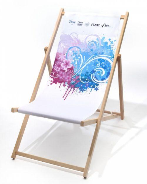 Holzliegestuhl mit Digitaldruck