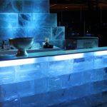 Eisbar aus Acryleis zur Miete fuer Eislounge oder Winterdekoration (c) Show World