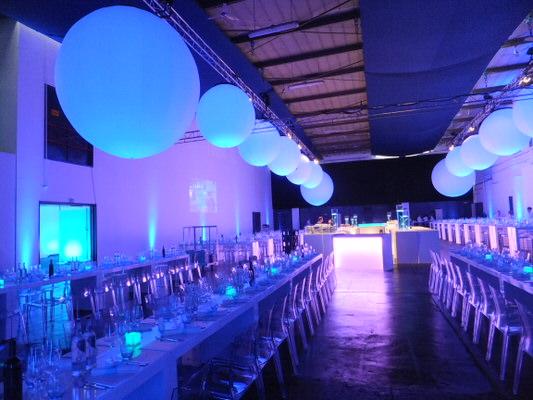Eventdekoration Agentur Rindle Inflatables Globe Gebläse LEDBeleuchtung Kugelleuchten Leuchtkugeln indoor easy airsystem