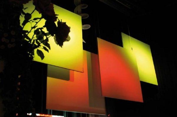 MietProjektionswand Agentur Rindle Raumtrenner, Projektionswände, Bühnenrückwand innolution system (c) hms easy stretch
