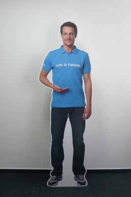 Pappständer Werbefigur Pappfiguren_Promotionaufsteller_Agentur Rindle