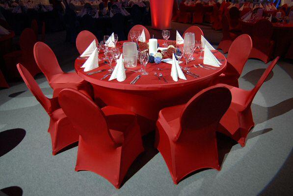 Stretchhussen für Bankettisch und Bankettstühle: SELARIA DINERIA im klaren Design: Farbe Rot - Vermietung und Verkauf möglich