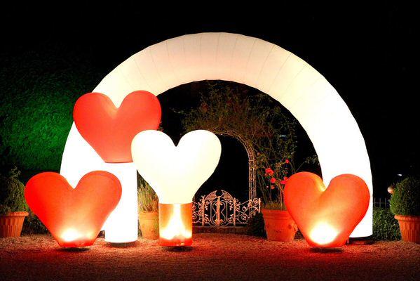 Leuchtskulptur zum Thema Liebe in Herzform, Dekoration für eine Hochzeit-ALI
