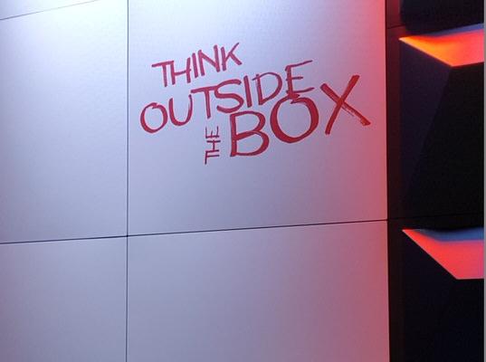 Eventdekoration flexible Raumtrenner, Display, Messewände oder Wandsysteme: Design PLANE