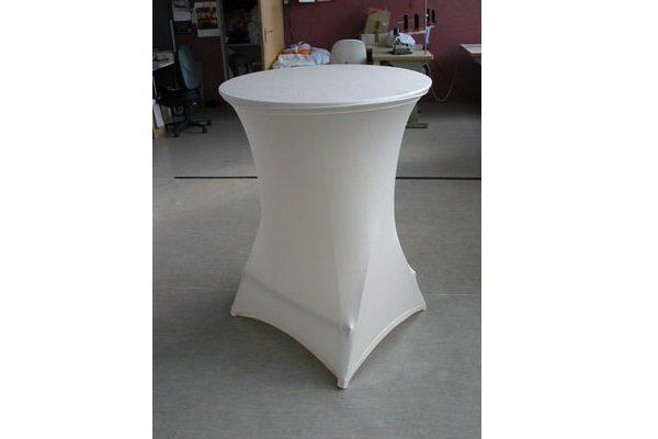 individuell konfigurierte Stretchhusse für Stehttisch mit vier Füßen ohne Zipper in weiß mit Tischplattenbezug individual easy cover Agentur Rindle hms