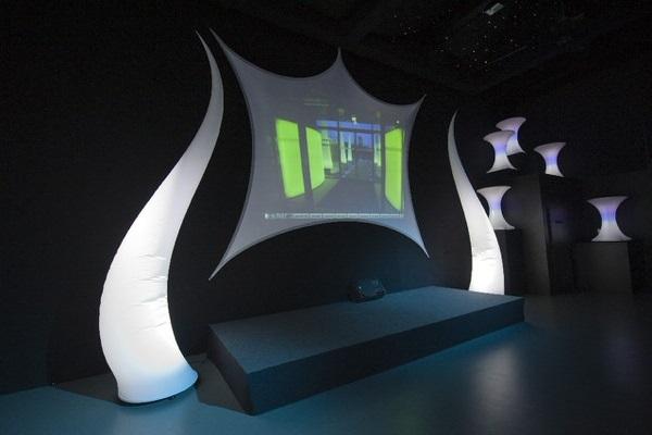 Aufblasbare Skulptur mit LED Beleuchtung -geschwungene Form, für Bühne und Eingänge, und StrechsegelHMS