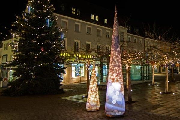 XMAS CONE die Leuchtdekoration für Weihnachten, XMAS aufblasbare Dekorationen, HMS