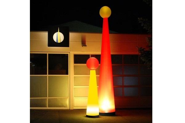 Aufblasbare Leuchtskulpturen AIRTOP mit Halogenlicht Meetingpoint und Leuchtkugel zur Miete oder Verkauf fuer Lichterfeste (c) airlight